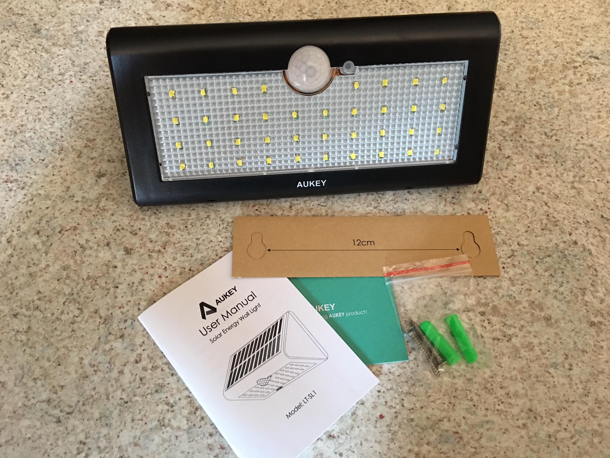 Recensione lampada led da esterno con sensore di luce movimento