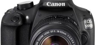 Canon EOS 1200D 18-55 DC III + Borsa + SD 8 GB + Panno a 299 Euro spedizioni incluse